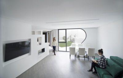 Salon & salle séjour - Peraleda-House par Losada García - Peraleda de la Mata, Espagne