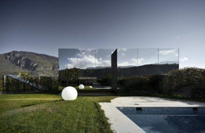 Vue d'ensemble - Mirror-Houses par Peter Pichler - Bolzano, Italie
