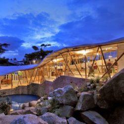 Vue d'ensemble illuminée - Bamboo-Symphony par Manasaram Architects - Bangalore, Inde