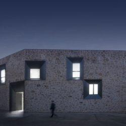Vue d'ensemble nuit - Peraleda-House par Losada García - Peraleda de la Mata, Espagne