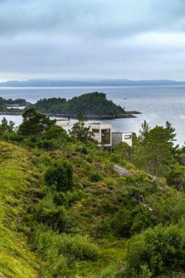 Vue panoramique site & mer - Cabin-Straumsnes par Rever Og Drage Arkitekter - Tingvollvagen, Norvege