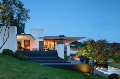 façade jardin & entrée illuminée - Home-Reutlingen par Alexander Brenner - Reutlingen,  Allemagne