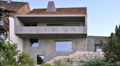 une-House-Lendenmann-par-L3P-Architekten-Regensberg-Suisse