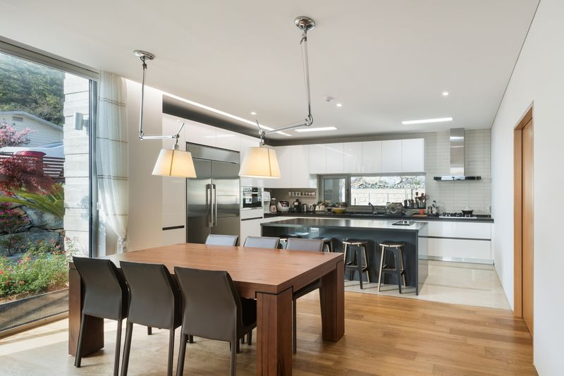 Salle séjour & cuisine - House-Dongmang par 2m2 architects - Geoje, Coree du Sud
