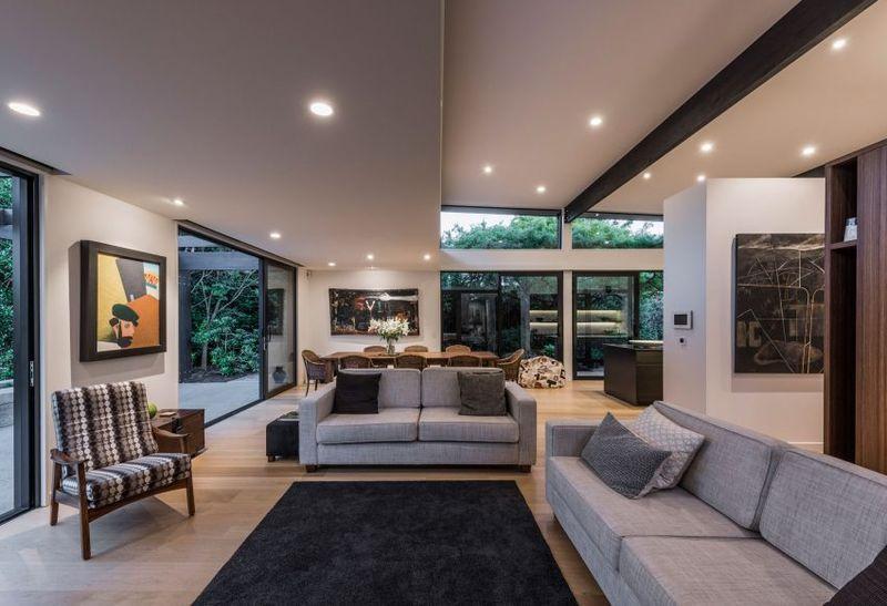 Salon & salle séjour illuminés - Bradnor-Road par Cymon Allfrey Architects - Fendalton, Nouvelle-Zelande
