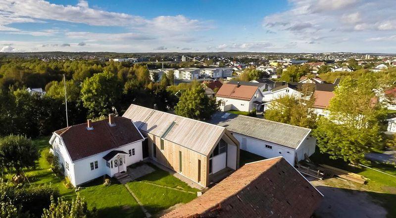 Vue panoramique ancienne maison & bâtiment rénové - Residence-Sellebakk par Link Arkitektur - Sellebakk, Norvege