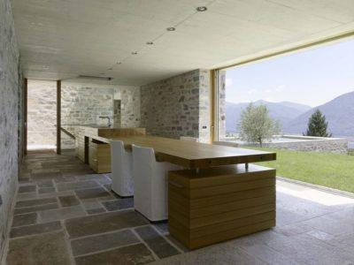 Salle séjour & grande baie vitrée coulissante - Building-Brione par Meuron Romeo - Minusio, Suisse