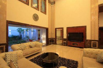 Salon secondaire & écran TV - Royal-Splendour-House par Ansari And Associates - Ayyampet, Inde