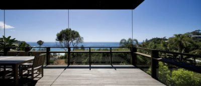 Salon terrasse balcon - Surf-Road-House par Nick Bell D-A - Whale Beach, Australie