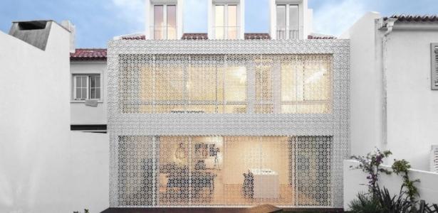 r novation originale pour une maison de deux tages au portugal construire tendance. Black Bedroom Furniture Sets. Home Design Ideas