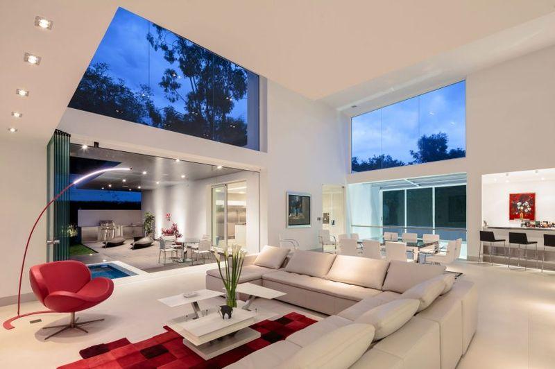 maison contemporaine en t au milieu de la verdure en. Black Bedroom Furniture Sets. Home Design Ideas