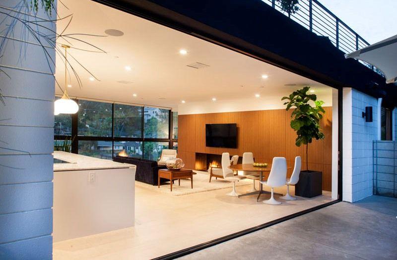 Pièce de vie ouverte - mid-century-family-home par Nakhshab - San Diego, USA