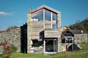 Maison bois et pierre construire tendance for Construire une maison en pierre