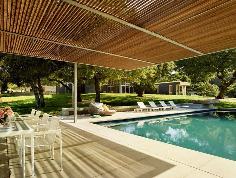 Salon terrasse design piscine home sonoma par turnbull for Achat maison californie usa