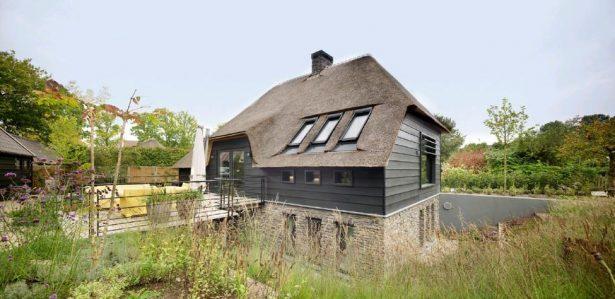Une maison qui s'intègre au paysage aux Pays-Bas